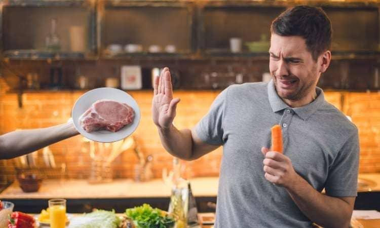 Moins de viande pour réduire ses dépenses alimentaires